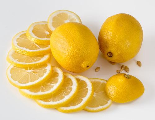 Wasserkocher entkalken mit Zitronensäure
